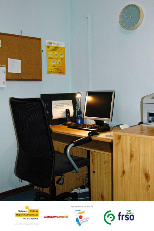 Stanowisko komputerowe do pracy księgowej